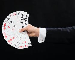 Wawasan Tentang Rincian Utama Yang Terkait Dengan Poker Online